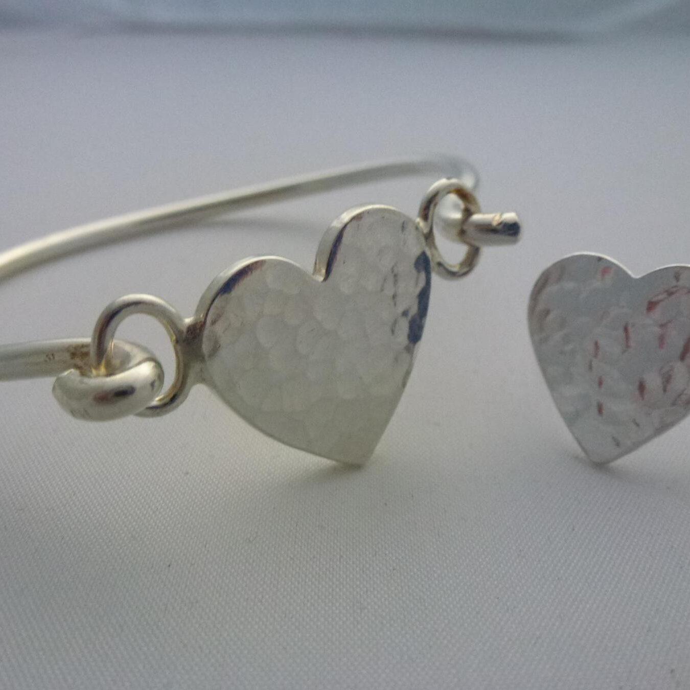 chunkyheartbangle-ring